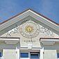 Artmur - Sgraffito - Zegar słoczeczny na elewacji budynku na rynku w Rzeszowie