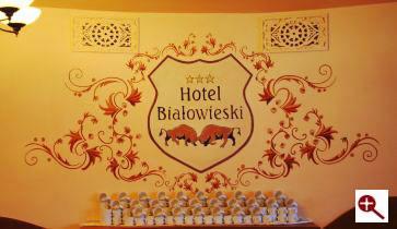 Artmur - Sgraffito - Herb w Hotelu Białowieskim w Białowieży
